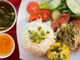 Dining review: Omelet & Viet Cuisine's unlikely mashup offers lots to like