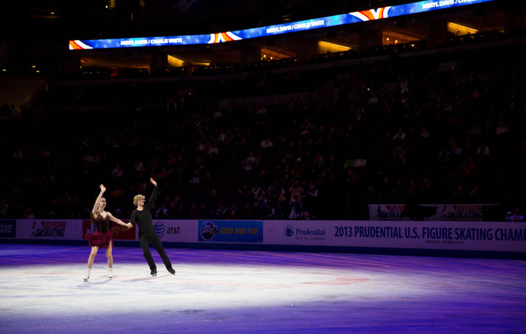 Davis and White win fifth straight ice dance title
