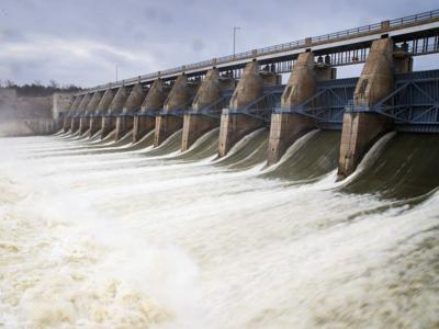 With increased dam releases, Missouri River will remain at high level into December