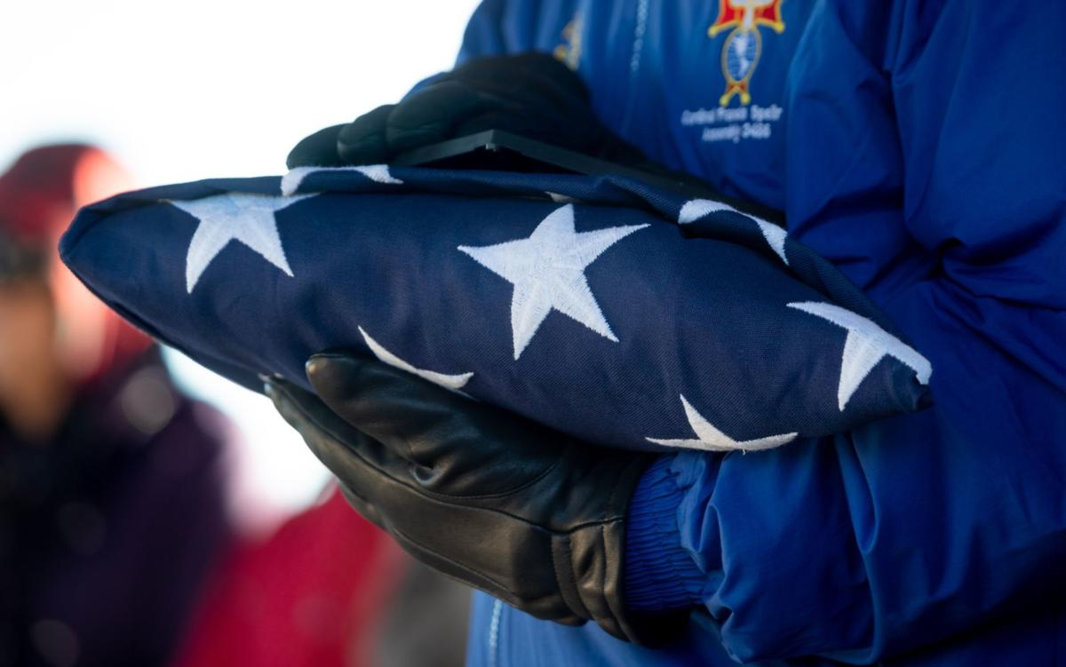 804343032d10 Hundreds brave the cold to honor Vietnam veteran who died with few known  family members | Military | omaha.com