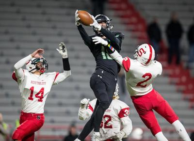 Prep football previews: After 13-0 season and Class B title, Omaha Skutt wary of 'revenge factor'