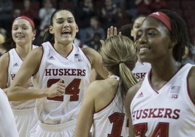 maddie simon s clutch 3 pointers help huskers score upset against no