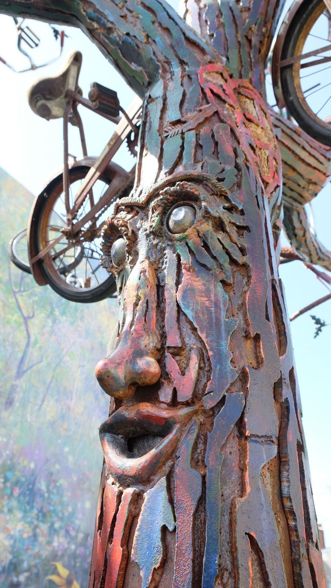 Bike Tree_fave.JPG