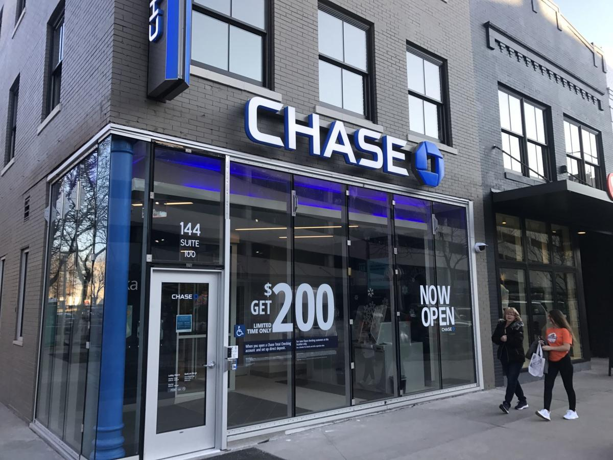 Branch banks are not a thing of the past, Chase Bank says | Money | omaha.com