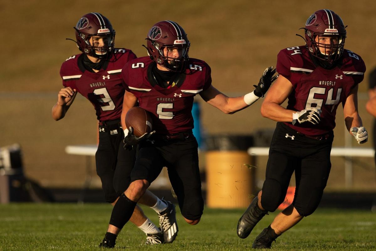 Waverly Football Snaps Omaha Skutt S 27 Game Winning Streak Ne Prep Zone Omaha Com