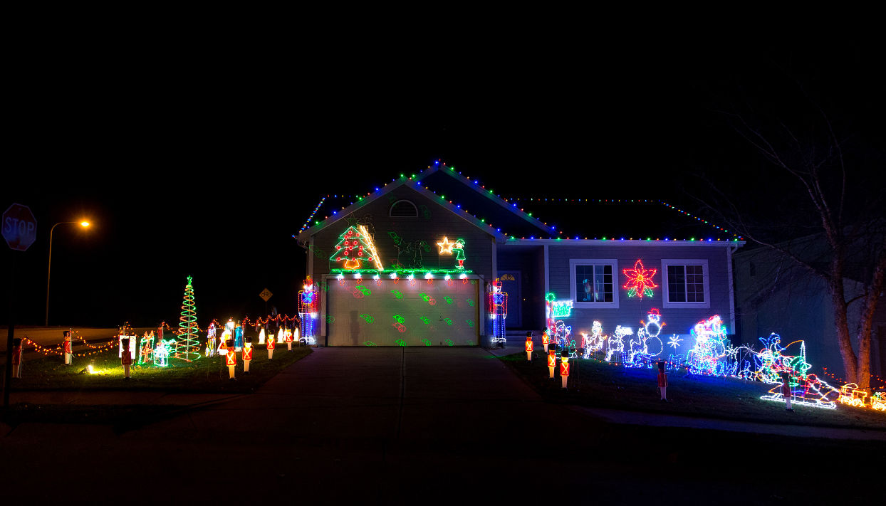 Best Omaha-area neighborhoods to see holiday lights in 2015 | Good ...