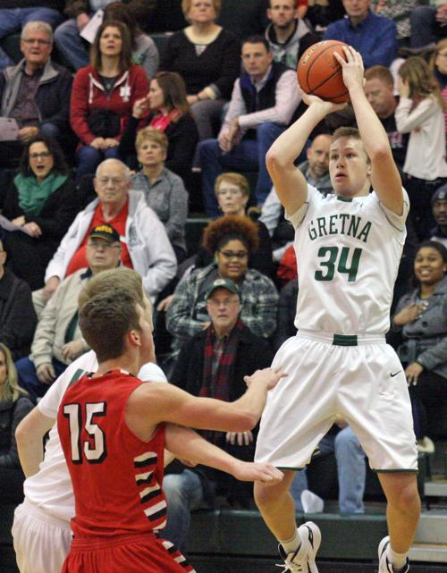 Dragons grind out 17th straight win