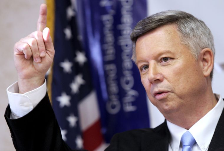 Gov. Heineman signs bill on sentences for young killers