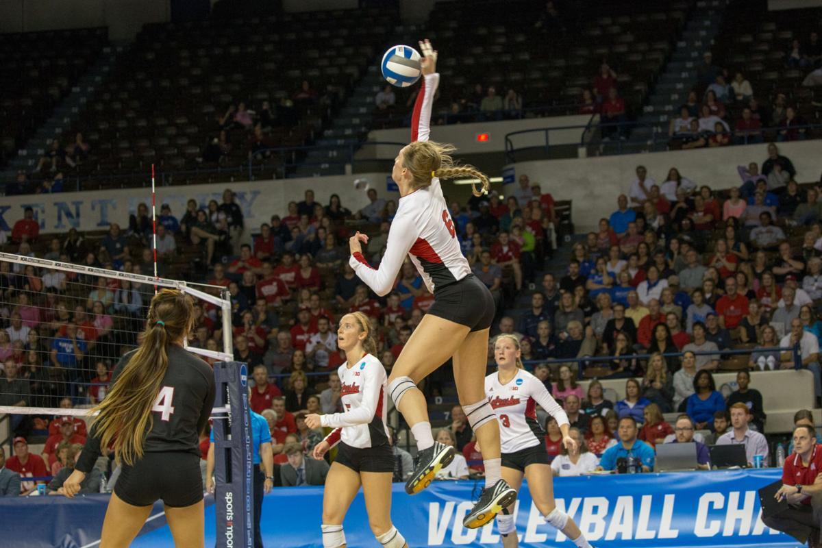 Omaha bound: Nebraska volleyball team beats Washington ...
