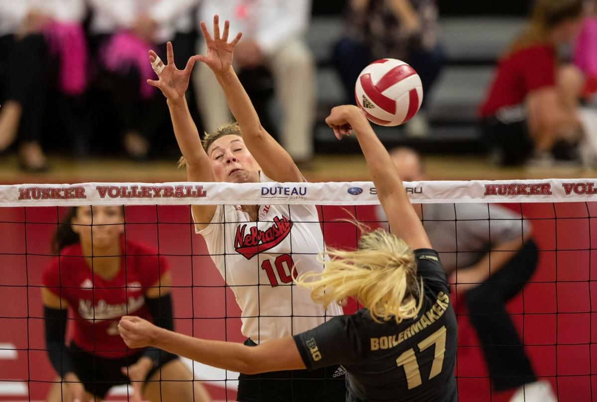 Madi Kubik S Career High Leads No 5 Husker Volleyball To Four Set Win Over No 20 Purdue Volleyball Omaha Com