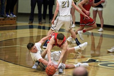 Defending Class B champ York earns trip to state with blowout of Platteview