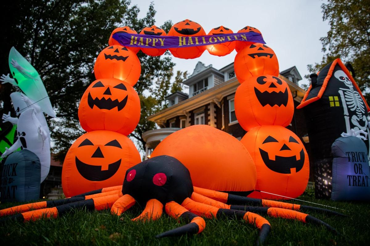 20201025_liv_halloweendecorations_ar01