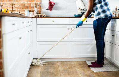 Chores mopping