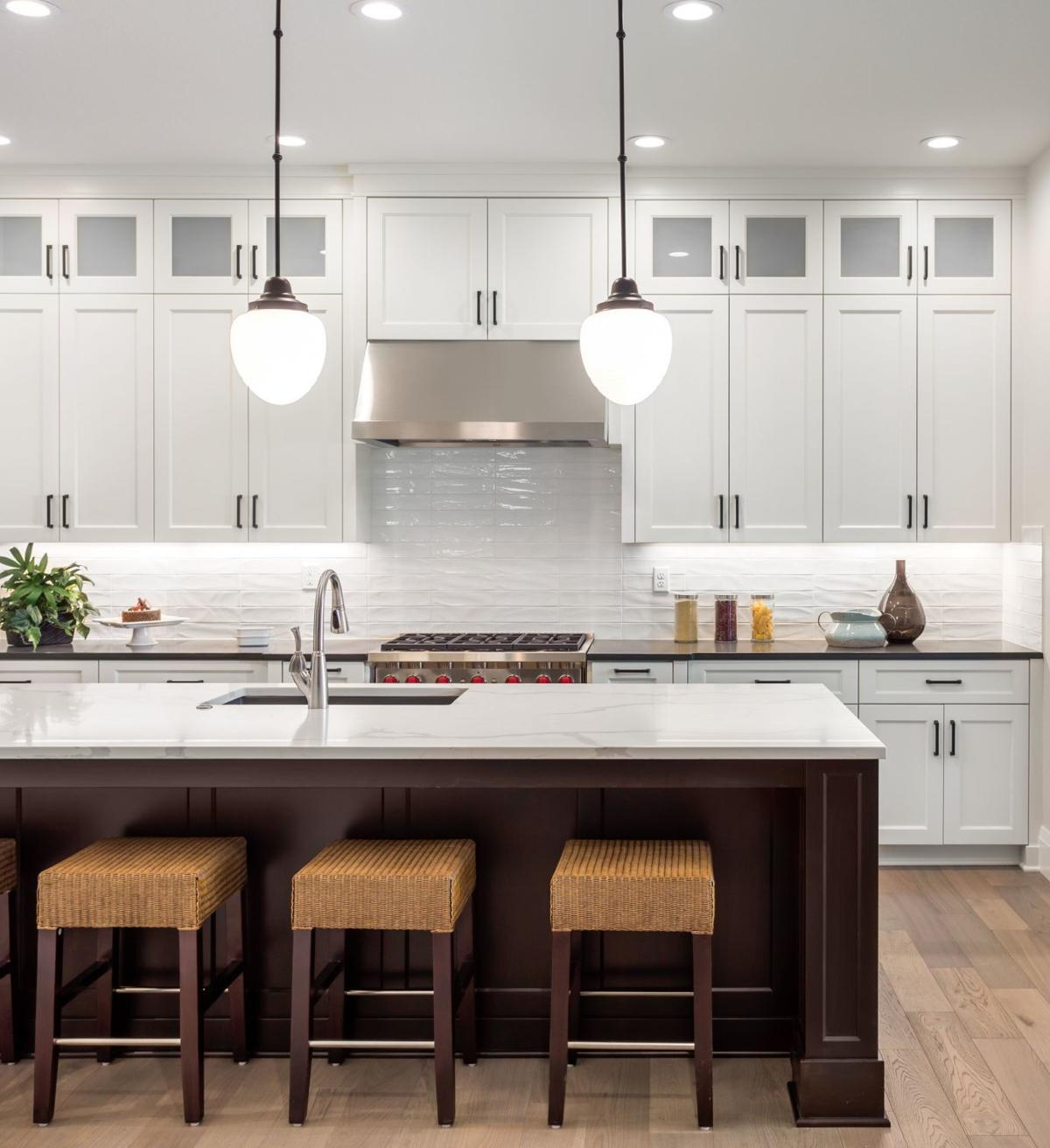 According To The Houzz Kitchen Trends Survey White Backsplashes Are Most Por