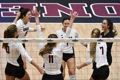 UNO volleyball