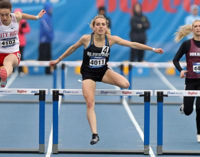 Glenwood's Janette Schraft wins 'most grueling' event at Drake Relays, the 400 hurdles