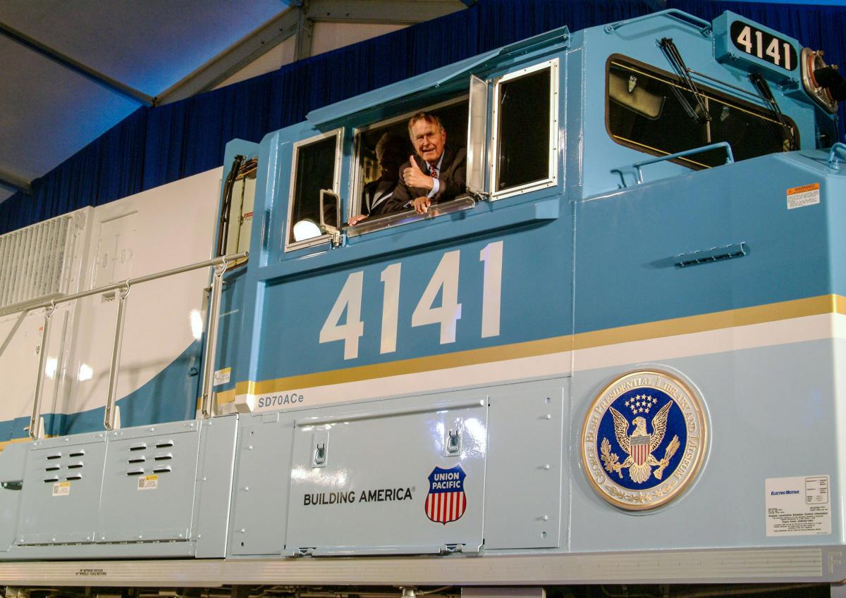 An echo of history as Locomotive 4141 carries George H.W. Bush to his final resting place