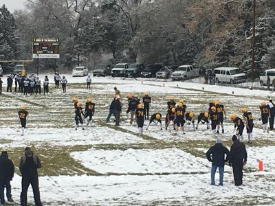 Lane Edis leads Mullen to Eight Man-2 quarterfinal win against Lawrence-Nelson