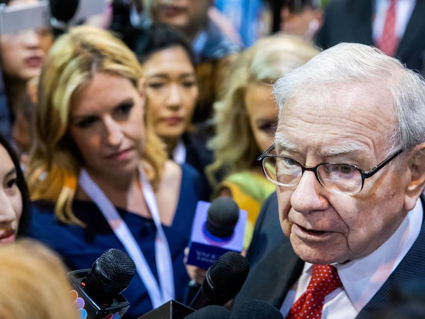 Tough questions mix with requests for life advice as Warren Buffett answers to his shareholders - Omaha World-Herald