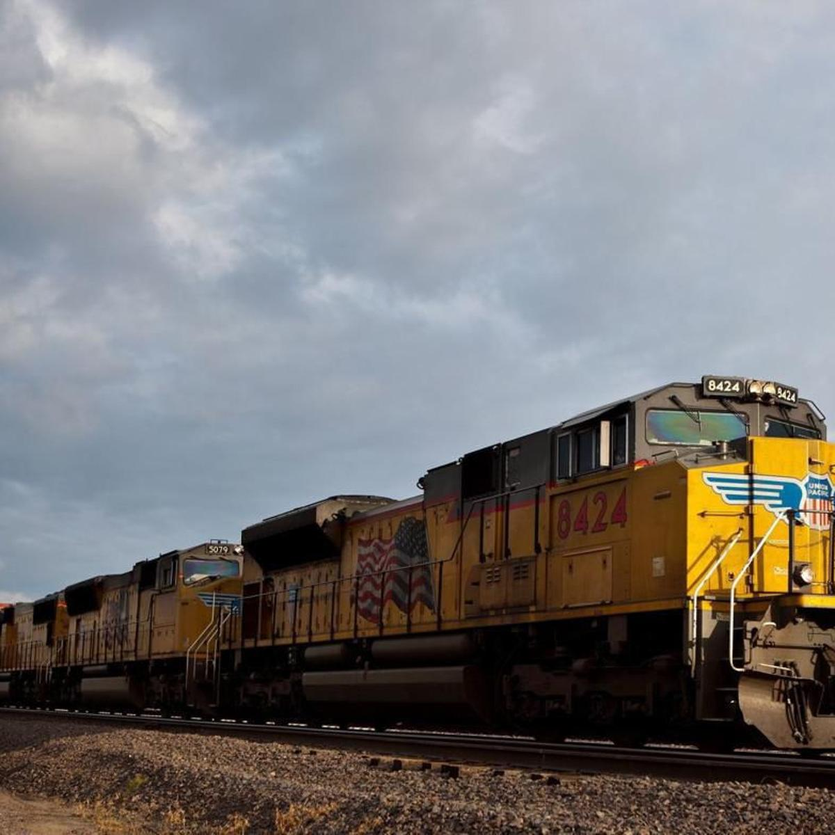Union Pacific cuts hundreds of jobs as it pushes for more