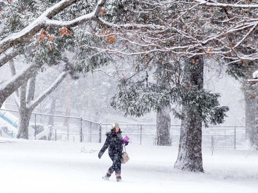 More snow, more freezing rain Thursday; Bellevue Public Schools closed
