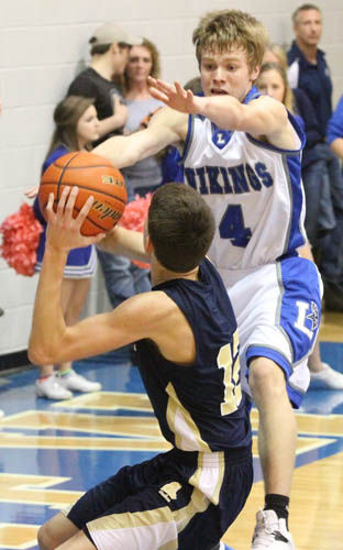 Duke boys hold on, top Lakeview Vikes