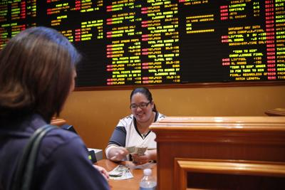 Iowa House approves sports betting