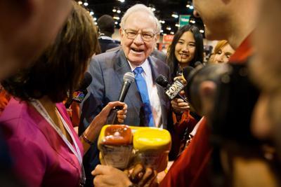 Buffett at shareholders meeting