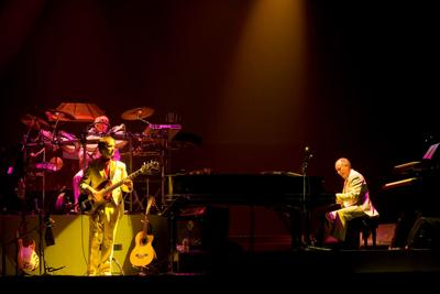 Just In Time For Summer Mannheim Steamroller Announces Christmas