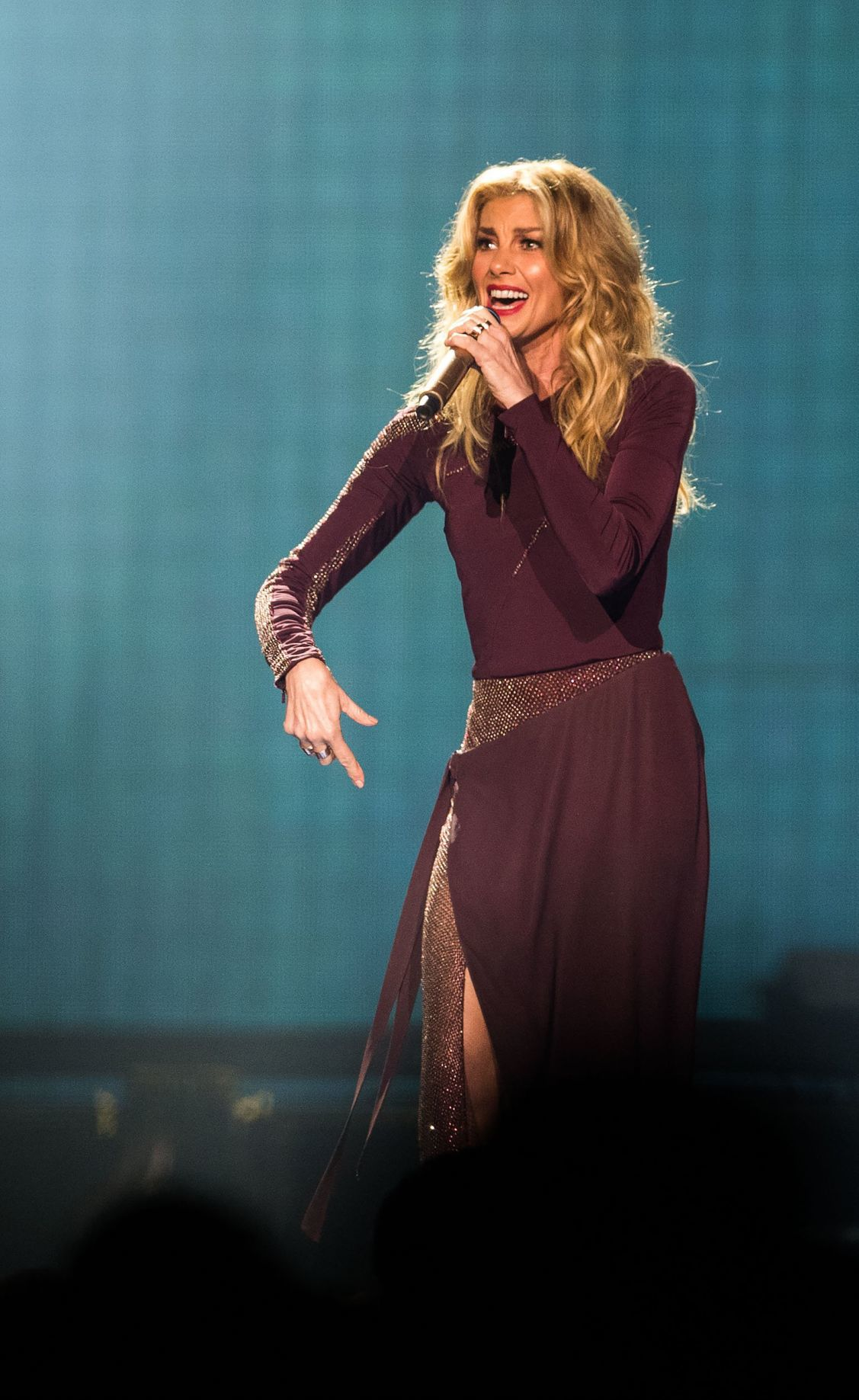 7 (tie). Faith Hill