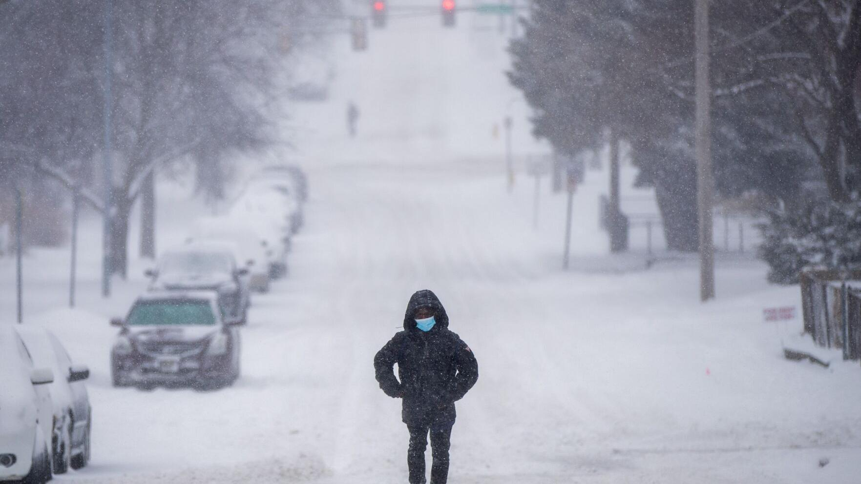 Omaha escapes worst of snowstorm; Lincoln gets 13 inches