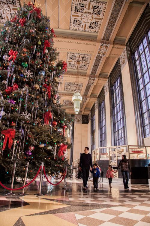 11 Ways To Celebrate The Holidays At Durham Museum Extras Omaha Com