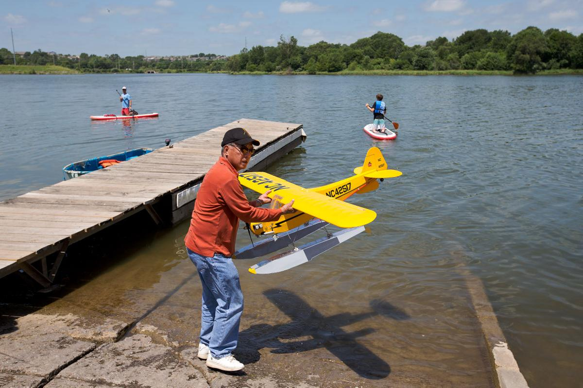 Omahawks take to the lake to fly pontoon-equipped model planes