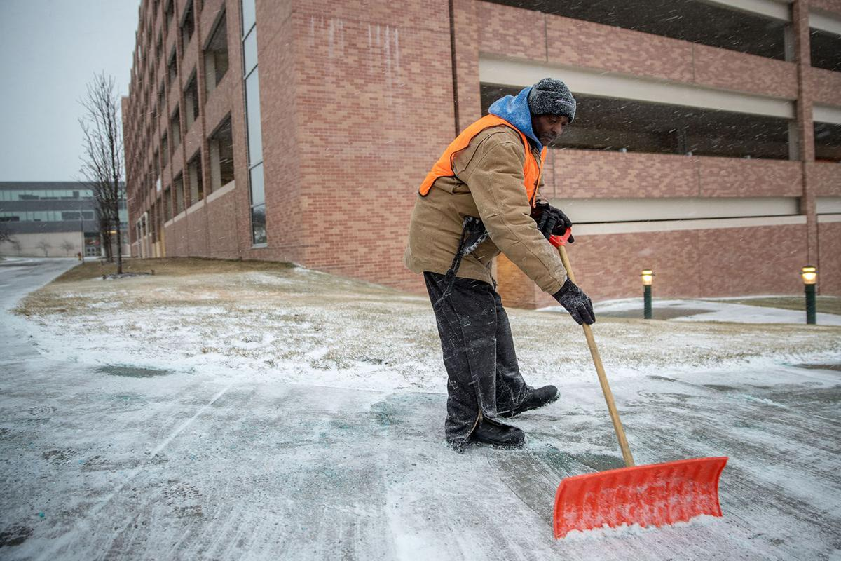 Roads Improving In Omaha Area But Use Caution As Snow Melt Refreezes Weather Omaha Com