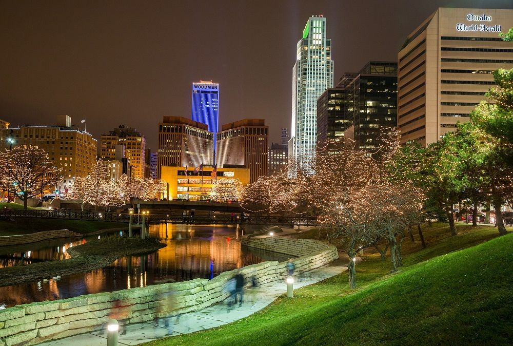 after delay holiday lights festival ceremony gets downtown omaha