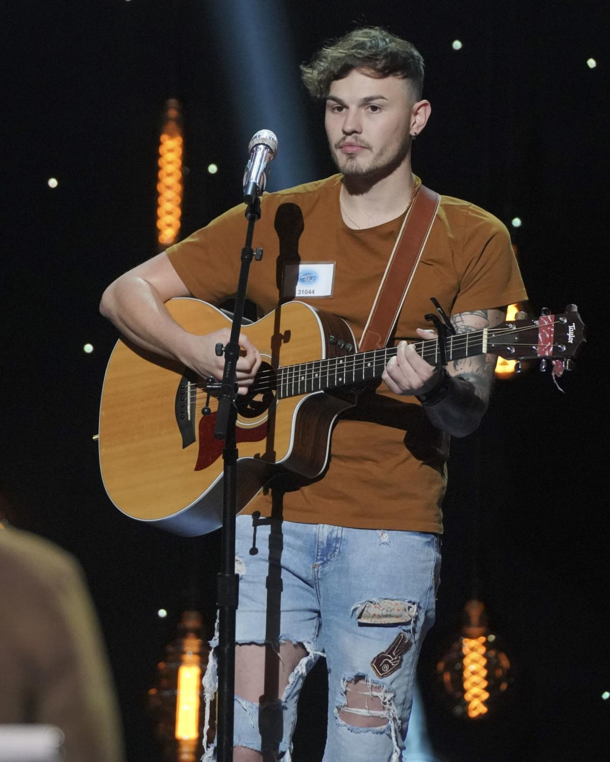 Nick Townsend advances on 'American Idol,' but Omahan Grace