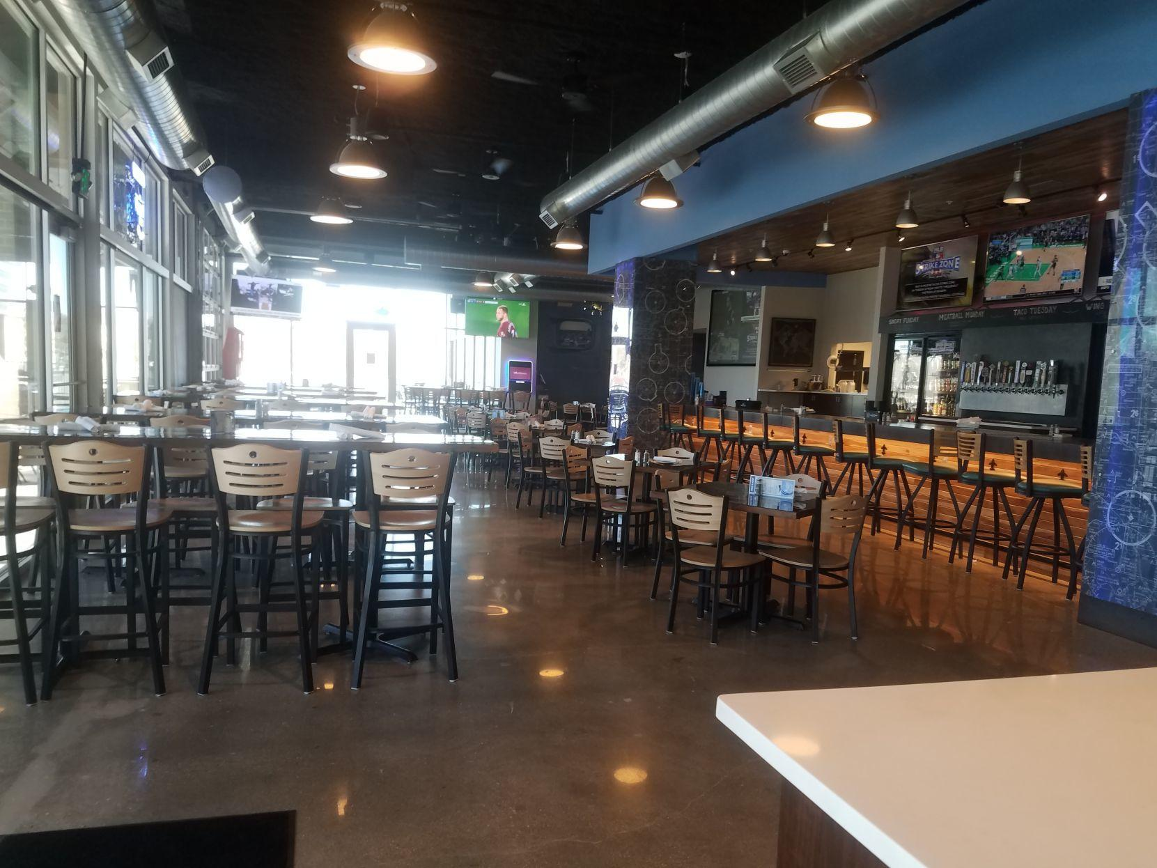 Nightlife Review Flight Deck Tap Grill New In The Old Creighton Hospital Space Sticks The Landing Nightlife Omaha Com