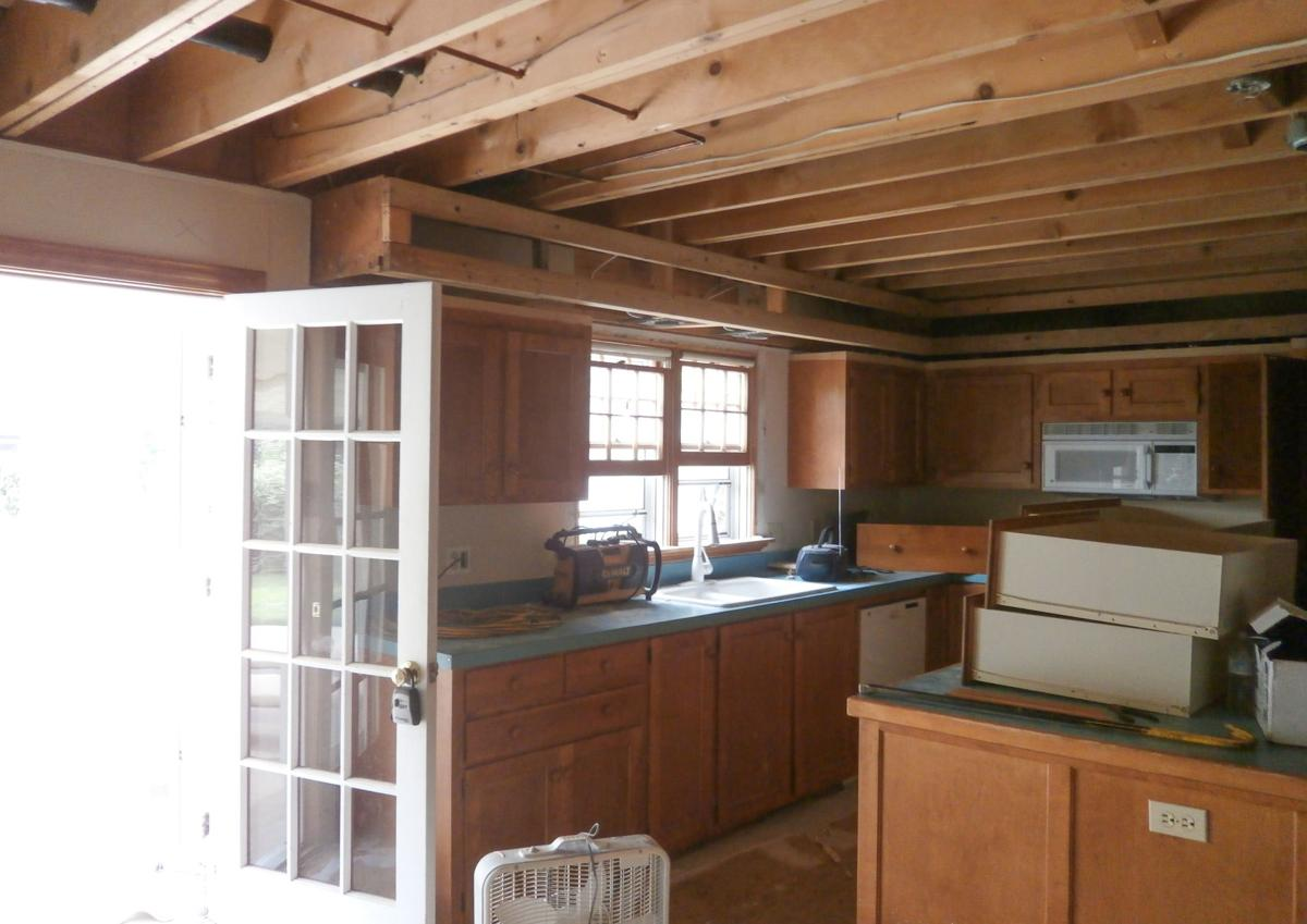 With Omaha Couple Tested By Cancer And Fire Family And Friends Step Up To Lead Home Remodel Live Well Nebraska Omaha Com
