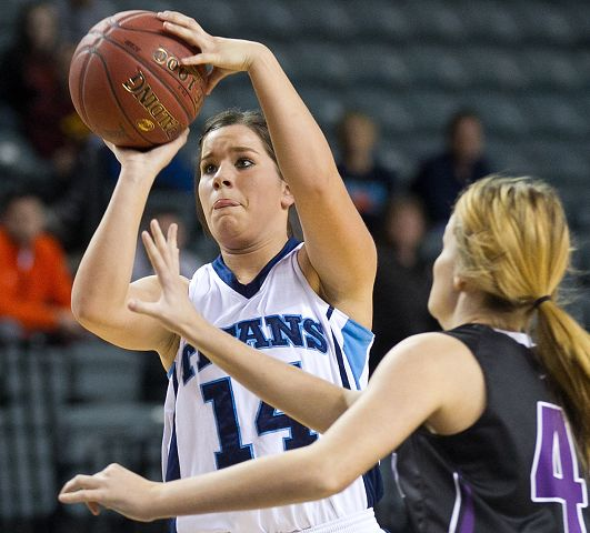 No. 4 Lynx use early run for a big rebound in MAC