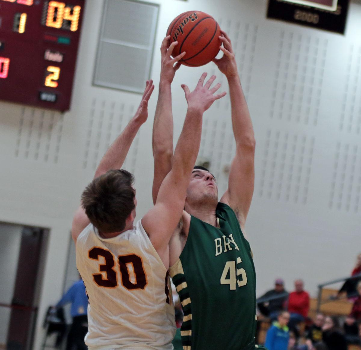 Monarchs hold off Bears