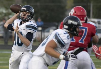 Highly-touted Lewis Central QB Max Duggan to miss 4 to 6 weeks with fractured thumb