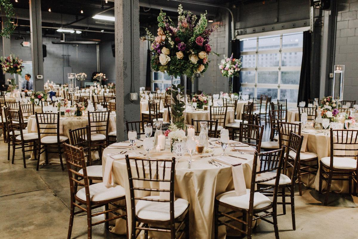 Downtown omaha sets the stage for a lush romantic wedding downtown omaha sets the stage for a lush romantic wedding junglespirit Gallery
