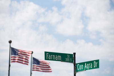 Farnam Street sign