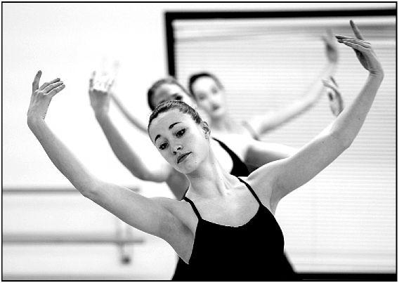 Classical meets modern at Omaha Dance Project