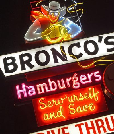 Keeping Omaha's classic neon signs shining
