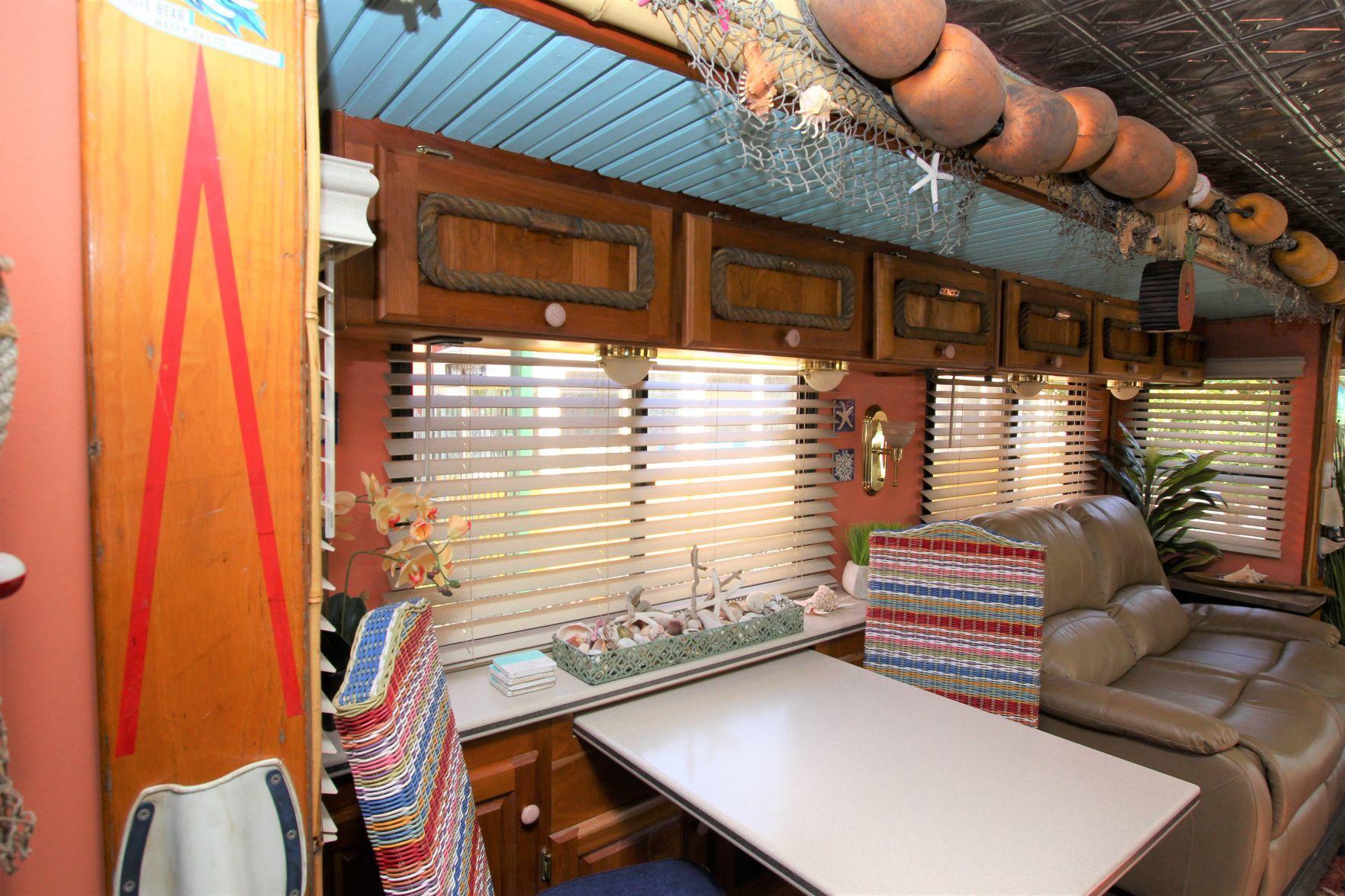 Photos Omaha Couple Transforms Rvs Into Flip Flop Inn Lazy Bear Lodge Omaha Com