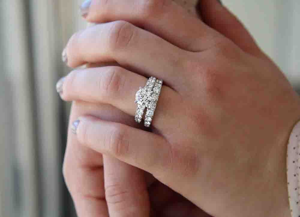 4 Questions Every Wedding Ring Per Should Ask Their Jeweler Sponsored By Borsheims Omaha Com