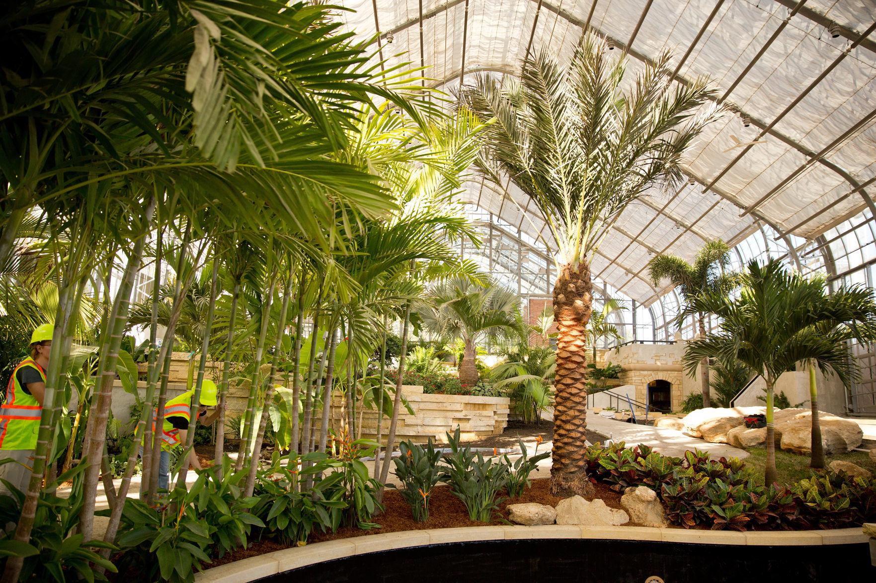 Lauritzen Gardens Blossomed Under Retiring Director Spencer Crews | Living  | Omaha.com