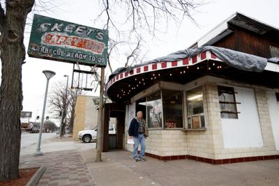 North Omaha restaurants Enzo's, Skeet's Barbecue have closed