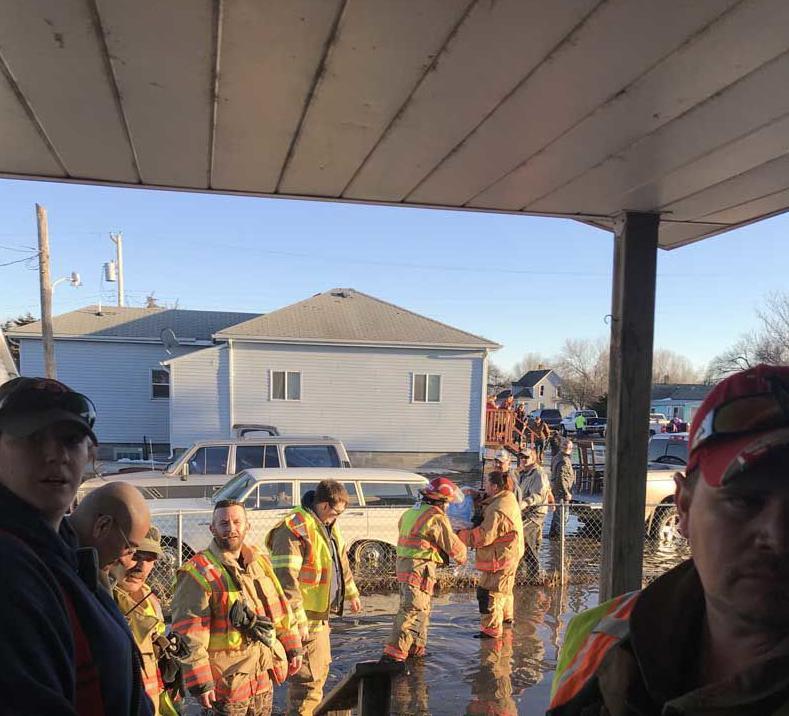 gibbon firefighters1.jpg
